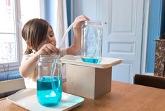 Le journal de Liv et Émy Science Montessori, Activities To Do, Science For Kids, Edm, Vases, Education, Homeschooling, World Discovery, Children Garden