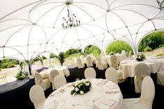 Buiten trouwen in Fletcher Hotel De Zeegser Duinen #trouwlocatie #feestlocatie