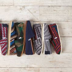 Woven to perfection. From wool to twill, TOMS Classics come in a variety of colors and patterns.