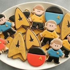 22 Geeky Desserts That& Give You Food Goals Star Trek Cake, Star Trek Party, Star Trek Theme, Iced Cookies, Royal Icing Cookies, Star Trek Birthday, Star Trek Wedding, Food Goals, Cookie Designs