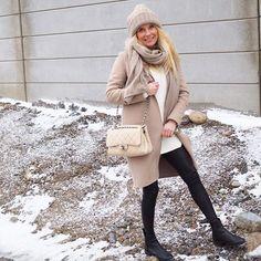 Weekend 🍾 #ootd #outfit #leatherpants #chanel #pura #beanie #daybirgeretmikkelsen #happy