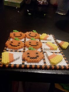 Halloween Beads, Halloween Patterns, Fuse Beads, Pearler Beads, Ek Success, Beaded Cross Stitch, Cub Scouts, Gingerbread Cookies, Crafts For Kids