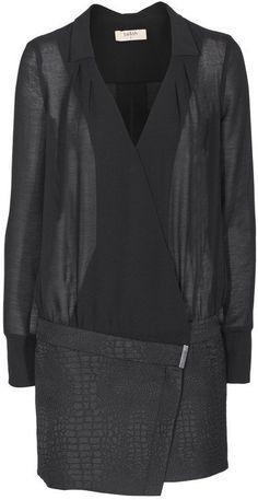 Pin for Later: Auf die Einkaufsliste: 17 früh-herbstliche Kleider BA&SH Blusenkleid BA&SH Blusenkleid mit Wickelrock (270€)