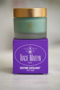 Chatting about the Tracie Martyn Enzyme Exfoliant Mask and all it's benefits!