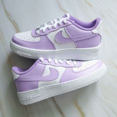 Dr Shoes, Cute Nike Shoes, Swag Shoes, Cute Sneakers, Hype Shoes, Jordan Shoes Girls, Girls Shoes, Nike Shoes Air Force, Aesthetic Shoes