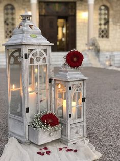 Wedding Table, Wedding Ceremony, Wedding Ideas, Wedding Decorations, Table Decorations, Vintage Country, Lighting Ideas, Event Planning, Weddings