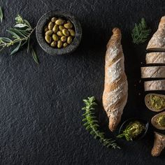 Χωριάτικη Μπαγκέτα / Country Bread. Τέλειο και εύκολο ψωμί, για τα πιο νόστιμα σνακ! #greekfood #greekrecipes #greekfoodrecipes #countrybread #bread #breadrecipes #homemadebread #easybread #quickbread #olivebread #psomi #ψωμί #συνταγές #flour #veganbread #vegansnacks #veganrecipes Recipes, Recipies, Recipe