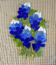 This is my contribution for the Piece by Piece Flower Project--Bluebonnets of course. Stained glass on mesh. Ceramic Mosaic Tile, Pebble Mosaic, Mosaic Glass, Glass Art, Glass Painting Patterns, Stained Glass Patterns, Mosaic Patterns, Mosaic Flowers, Stained Glass Flowers