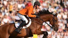 Jeroen Dubbeldam wint goud voor Nederland door op 4 verschillende paarden een foutloos parcours te rijden
