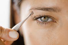 El vello indeseado puede transformarse en una gran molestia. Día a día mujeres y hombres en todo el mundo utilizan diferentes métodos de depilación. Por lo general se emplean ceras, cremas o pinzas y,