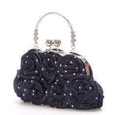 novinka Elegantní saténová večerní kabelka s perleťovými detaily. Je modré  barvy v lesklé úpravě 74fd730b957