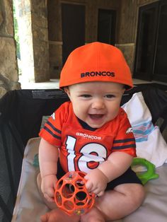 Rhett is ready for the @Broncos game [Twitter @regansmith]