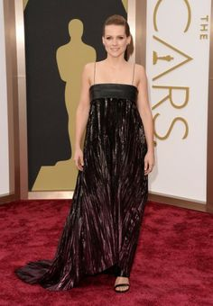 Celebrities and fashion at the Oscars http://www.fashionbelief.com/best-and-worst-dressed-celebrities-at-the-oscars.html