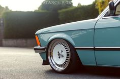 '82 BMW E21 bagged on Schmidt TH Lines wheels. #Rvinyl & #BMW: A match made in heaven. Spend your time doing something useful this Thanksgiving like drooling over these pics.