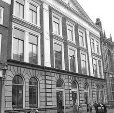 bibliotheek Zwolle Diezerstraat Multi Story Building, Spaces, History, Library Locations, Historia