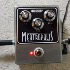 Quick blast of the Meatropolis!  Now up on the website with info and video  fuzzboxes.co.uk  #fuzz #Meatropolis #stoner #grunge #guitar #bassfuzz