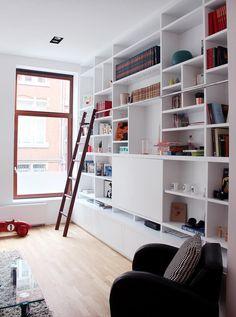 custom built in shelves library- living room, bibliothèque sur mesure, salon