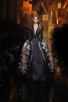 Byzantine Royalty at yesterday's ELIE SAAB Haute Couture Autumn Winter fashion show. See the entire album here:   http://on.fb.me/1TntO4s