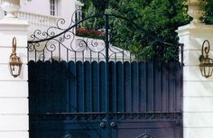 Blacksmith Savoir faire Portail Art Fer forgé Artisanat Ferronnerie d'Art Sustainable Design Made in France By myself Porte Cochere, Art Fer, Style Ancien, Iron Work, Iron Gates, Entrance Gates, Made In France, Flower Boxes, Porch Swing