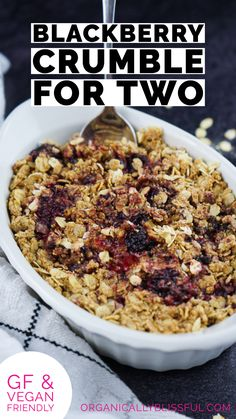 Quick and easy to make healthy blackberry crumble is the perfect breakfast treat or fruit desserts to make within 30 minutes. Best Breakfast Recipes, Healthy Dessert Recipes, Desserts, Vegan Recipes, Blackberry Crumble, Ceramic Baking Dish, Healthy Eating Habits, Perfect Breakfast, Healthy Fruits