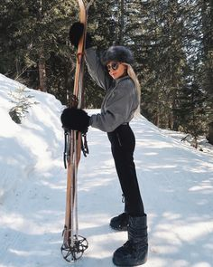 so casual 🎿🙄 Ski Fashion, Cowboy Hats, Skiing, Hipster, Casual, Instagram, Style, Ski, Swag