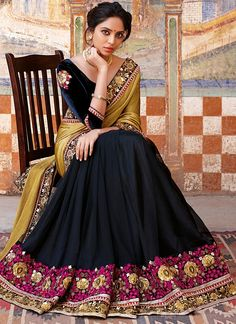 Royal Satin chiffon cum net saree with antique heavy jari and resham work carrying velvety Patched blouse. Latest Indian Saree, Indian Sarees Online, Fancy Sarees, Party Wear Sarees, Indian Dresses, Indian Outfits, Indian Clothes, Laxmipati Sarees, Lehenga Choli