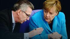 Thomas de Maiziere i Angela Merkel