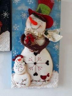 Santa, nieve y reno Christmas Clay, Christmas Snowman, Christmas Crafts, Merry Christmas, Xmas, Christmas Ornaments, Felt Christmas Decorations, Christmas Themes, Holiday Decor