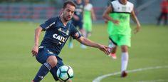 Tulio de Melo comenta a ausência de Everton Ribeiro no duelo contra o Flamengo: Faz diferença