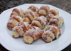 Romanian Food, Food Cakes, Desert Recipes, Pretzel Bites, Doughnut, Cake Recipes, French Toast, Food And Drink, Cooking Recipes