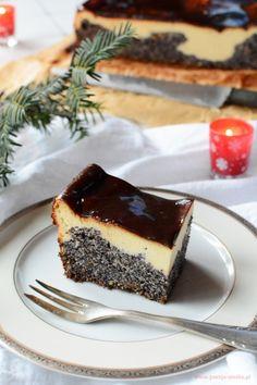 Seromak (seromakowiec) to ciasto, które na pewno przypadnie do gustu zarówno fanom sernika jak i makowca. Mój makowiec z serem jest bez spodu - prosty, a jakże smaczny. Christmas Desserts, Bakery, Cheesecake, Deserts, Food Porn, Goodies, Pudding, Cooking, Poppy