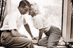 Marilyn & Joe DiMaggio. I love this photo.