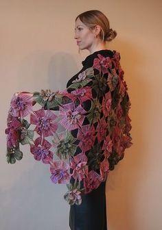 Ravelry: Floral lace shawl pattern by Olga Antonova