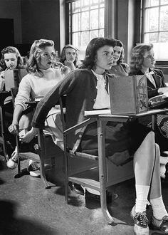 'Passing Notes' 1944 El Whatsapp de los años cuarenta.