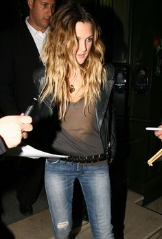 hair and can I have her outfit too? drew barrymore hair brown | These are amazing, but they're just not very moi...
