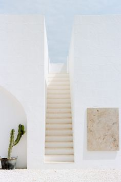 Exoticism is born from the frame of mind you adopt, both while travelling and, perhaps more importantly, before you depart. Magazine Architecture, Minimal Architecture, Architecture Design, Aesthetic Pastel Wallpaper, Aesthetic Wallpapers, Casa Wabi, Deco Zen, Minimal House Design, Minimalist Photography