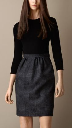 Wear to Work Outfit Ideas. Womens Casual Office Fashion ideas and dresses. Womens Work Clothes Trending in 34 Outfit ideas. Mode Outfits, Office Outfits, Skirt Outfits, Fashion Outfits, Office Attire, Ladies Outfits, Sweater Skirt Outfit, Casual Work Attire, Casual Outfits