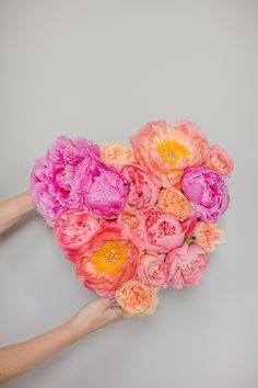 DIY Flower Heart Tutorial | Marianne Taylor Photography | Bridal Musings Wedding Blog