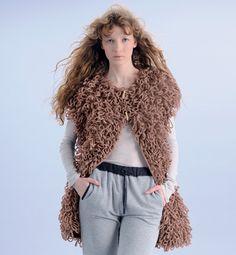 Modèle veste esprit yeti femme Gilet Crochet, Couture, Fur Coat, Pullover, Wool, Knitting, Jackets, Inspiration, Style