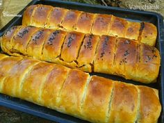Börek (fotorecept) Hot Dog Buns, Hot Dogs, Czech Recipes, Ravioli, Recipies, Menu, Bread, Indie, Food