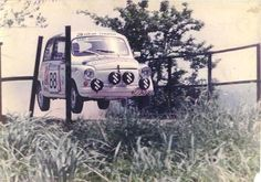 Fiat 600/Zastava 750 ex Yu Fiat 600, Wheel In The Sky, Classic Race Cars, Fiat Abarth, 4 Wheelers, Flying Car, Train Car, Small Cars, Cars And Motorcycles