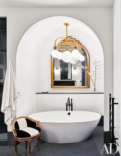 Mix and Chic: Home tour- Hollywood celebrities Naomi Watts and Liev Schreiber's gorgeous New York City apartment! Black penny tile floor