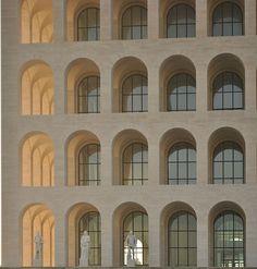 Roma, EUR 42, palazzo della civiltà e del lavoro, ph. Steve Wheel photographer and observer of EUR in Rome
