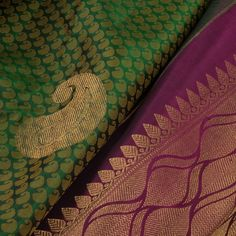 Handwoven Green Jacquard Kanchipuram Silk Saree With Paisley Motifs 10012932 Kanakavalli Sarees, Banaras Sarees, Kanchipuram Saree, Saris, Lehenga, Crepe Silk Sarees, Raw Silk Saree, Pure Silk Sarees, South Indian Silk Saree