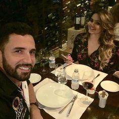 Latino posta foto de jantar com a filha e fãs comemoram a reconciliação