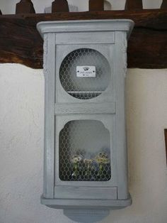 Caisse d'horloge devenue etagere