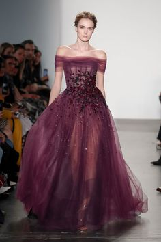 Pamella Roland Fall 2019 Ready-to-Wear Collection Elegant Dresses, Pretty Dresses, Couture Dresses, Fashion Dresses, Moda Aesthetic, Fantasy Gowns, Fairytale Dress, Ball Dresses, Beautiful Gowns