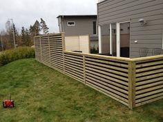 Uteplats | Galleri Deck Railings, Railing Ideas, Backyard Hammock, Outdoor Furniture, Outdoor Decor, Garden Inspiration, Plank, Shed, Outdoor Structures