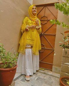 Pakistani Party Wear Dresses, Beautiful Pakistani Dresses, Designer Party Wear Dresses, Kurti Designs Party Wear, Pakistani Dress Design, Stylish Dress Book, Stylish Dresses For Girls, Fancy Dress Design, Stylish Dress Designs