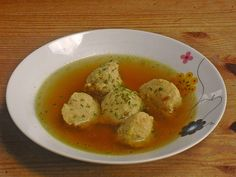 Crumble Dumpling Soup from Herta Bread Dumplings, Dumplings For Soup, Soup Recipes, Mashed Potatoes, Food And Drink, Eggs, Meat, Cooking, Breakfast